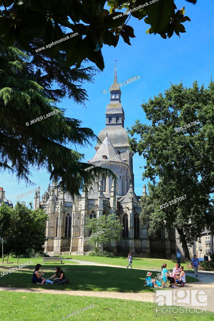 St Sauveur Jardin Anglais Dinan Bretagne Brittany France Stock