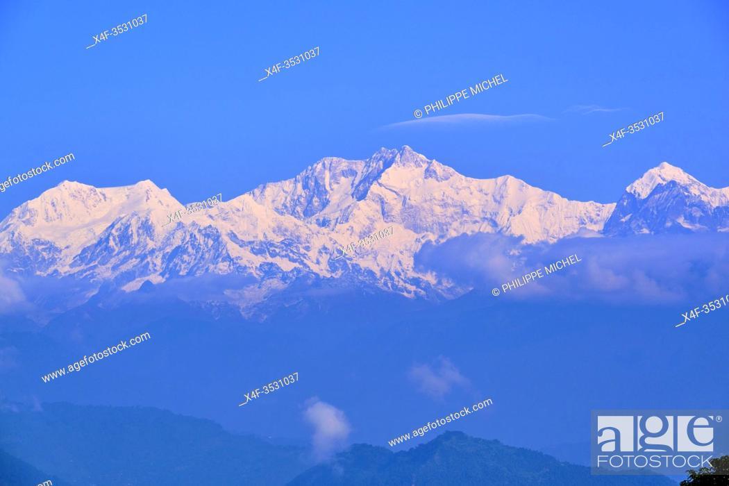 Stock Photo: India, West Bengal, Darjeeling, view to the Himalayas, the Kangchenjunga 8586m.
