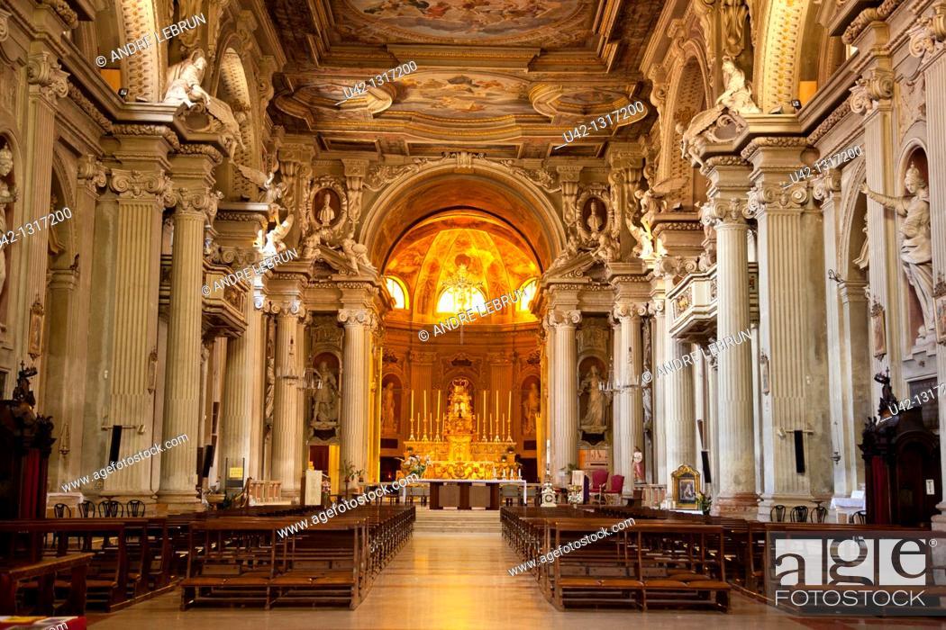 Stock Photo: Interior of the Cathedral in Modena, Emilia-Romagna, Italy.