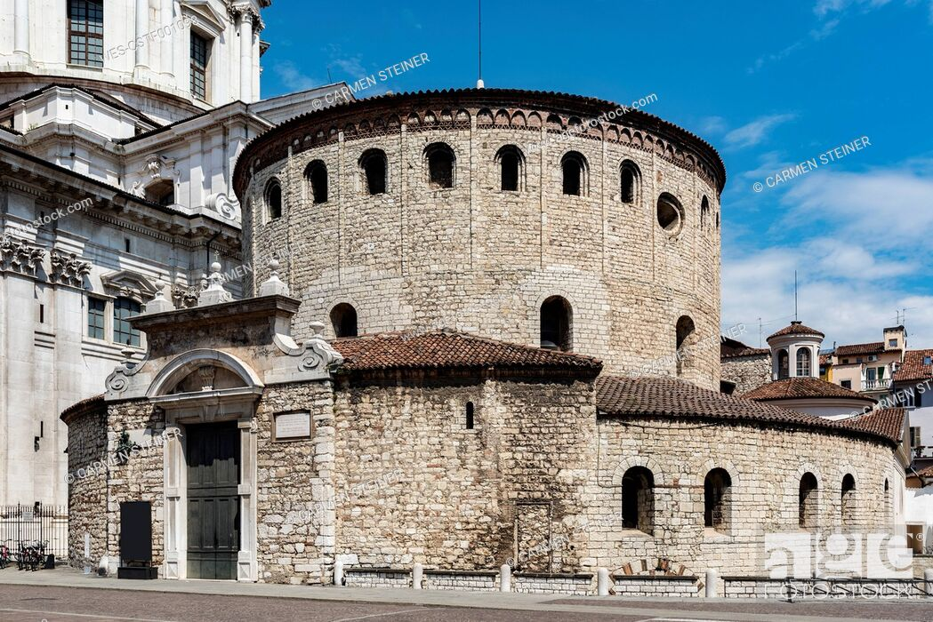 Imagen: Italy, Brescia, view to Old Cathedral.