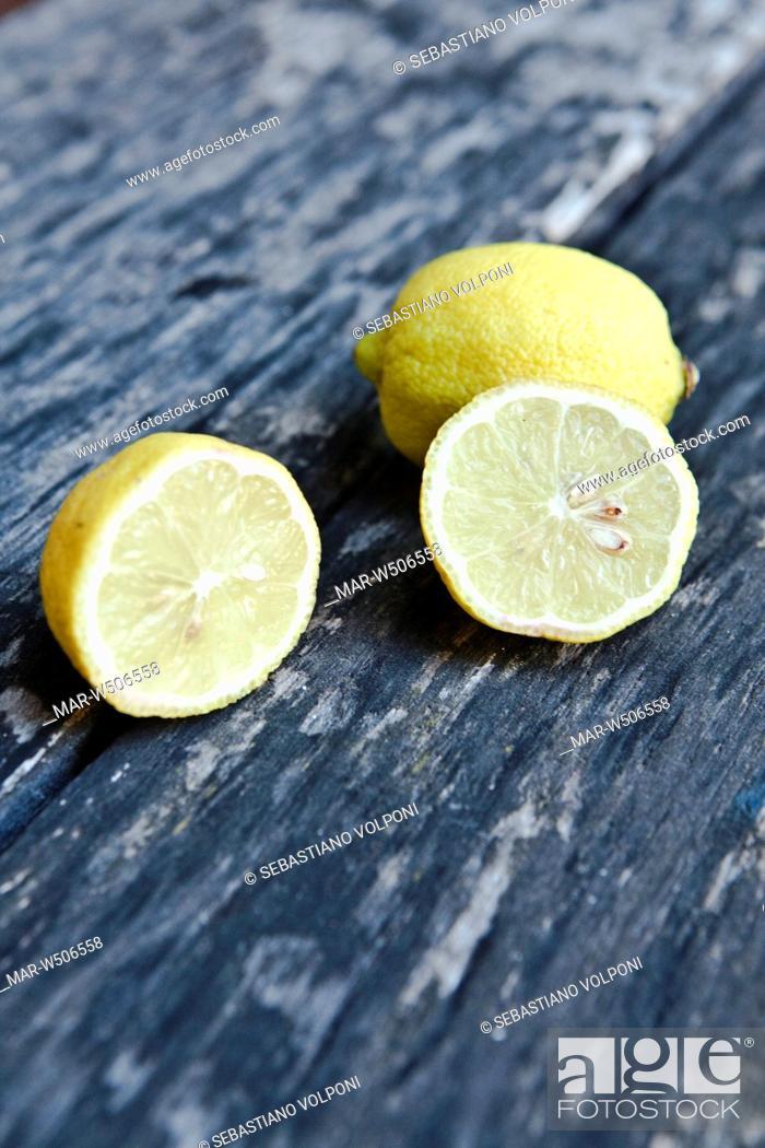Stock Photo: lemons.