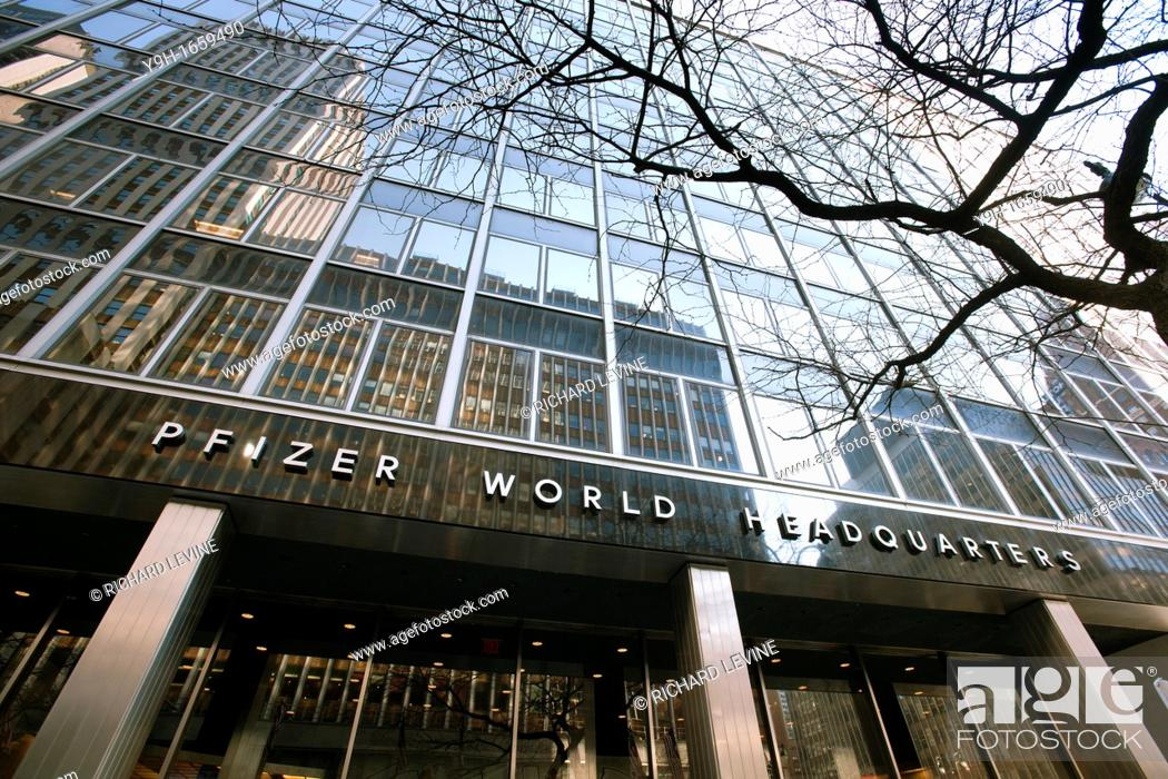 Pfizer World Headquarters In Midtown In New York Pfizer Announced That It Was Recalling Stock Photo Picture And Rights Managed Image Pic Y9h 1659490 Agefotostock
