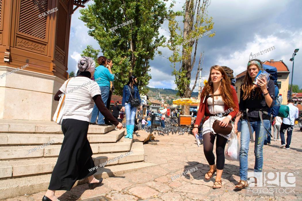 Stock Photo: backpackers, bascarsija, sarajevo, bosnia and herzegovina, europe.
