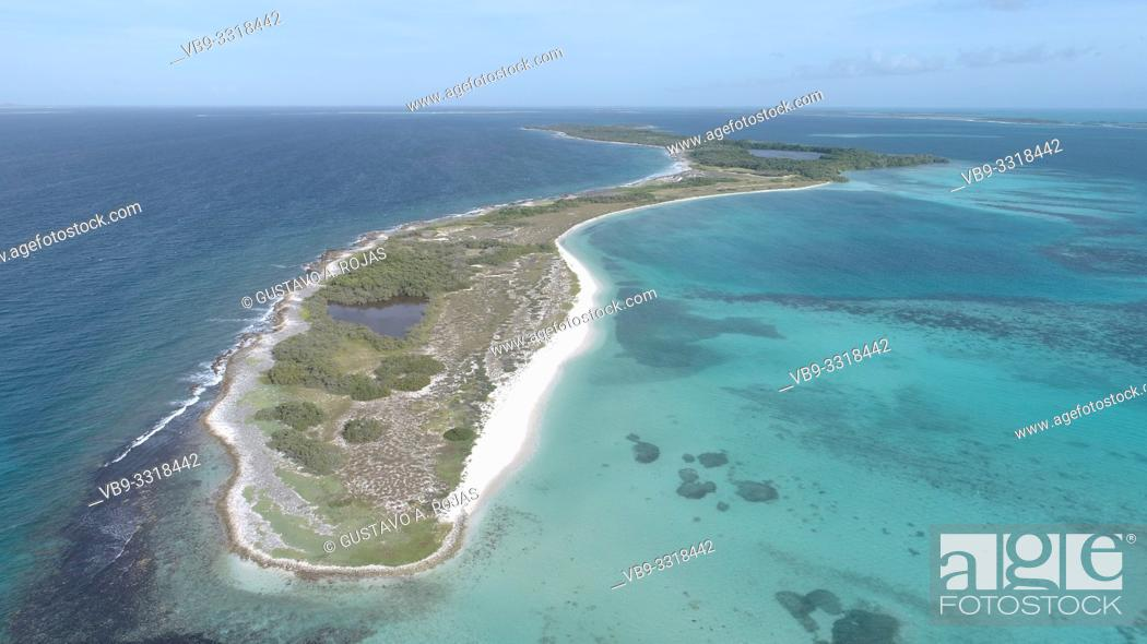 Stock Photo: Aerial View island espenky los roques venezuela.