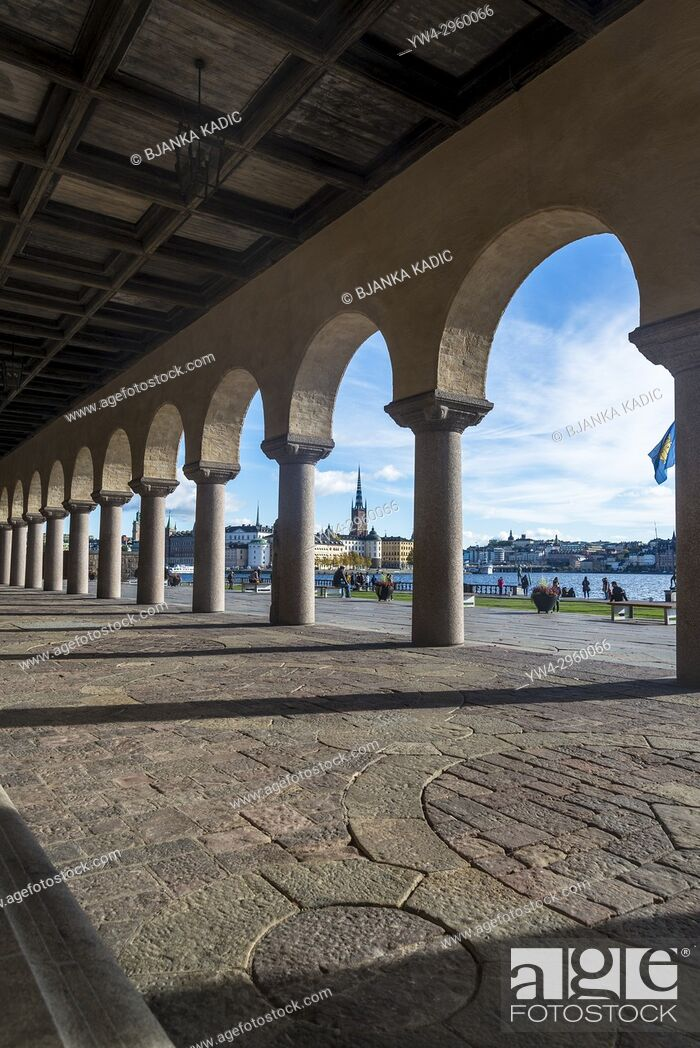 Photo de stock: Stockholm City Hall portico and Riddarholmen church in the background, Stockholm, Sweden.