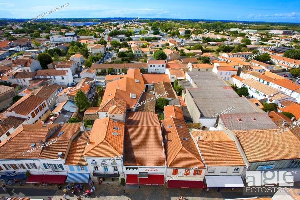 Stock Photo: france, charente maritime, oléron, saint-pierre : toits.