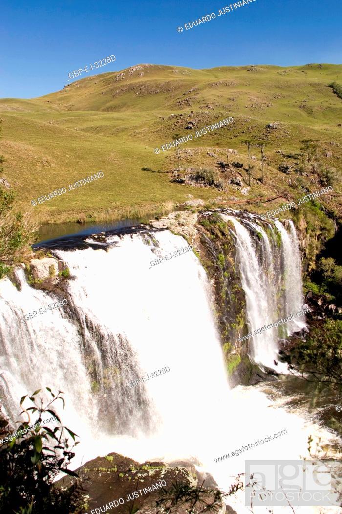 Stock Photo: Waterfall, Fall of water, São José dos Ausentes, Rio Grande do Sul, Brazil.