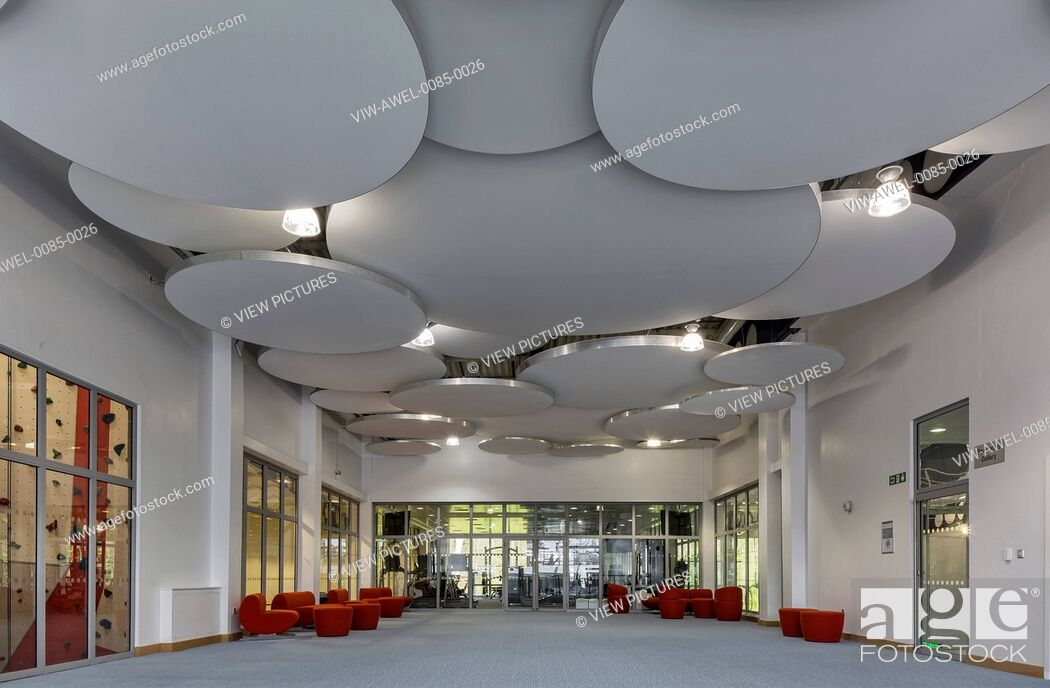 Imagen: The Medburn Centre is a sports facility at Haberdashers' Aske's Boys' School incorporating a large swimming pool, gymnasium, fit.