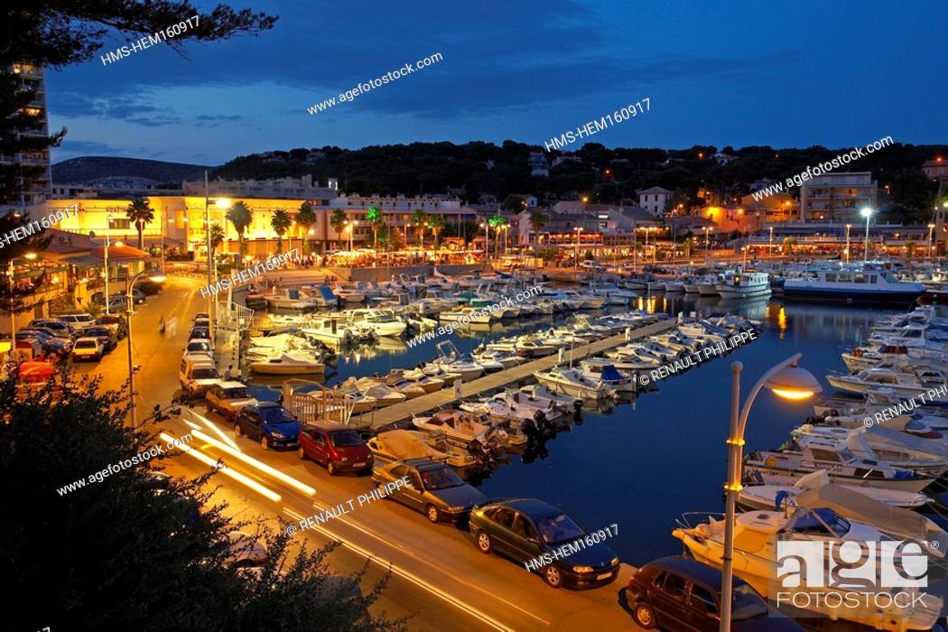 Stock Photo: France, Bouches du Rhone, Provence, Cote Bleue Blue Coast, Carry le Rouet and its casino.