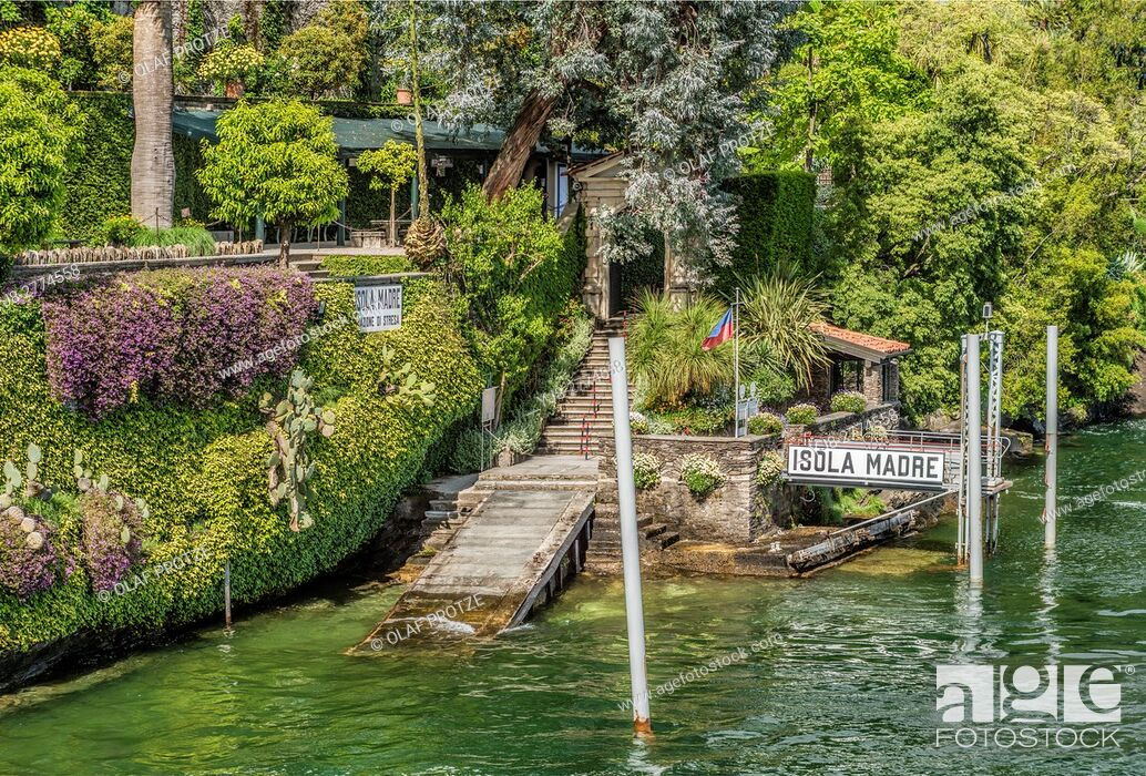 Stock Photo: Shipping pier at Isola Madre, Lago Maggiore, seen from the lakeside, Piemont, Italy.