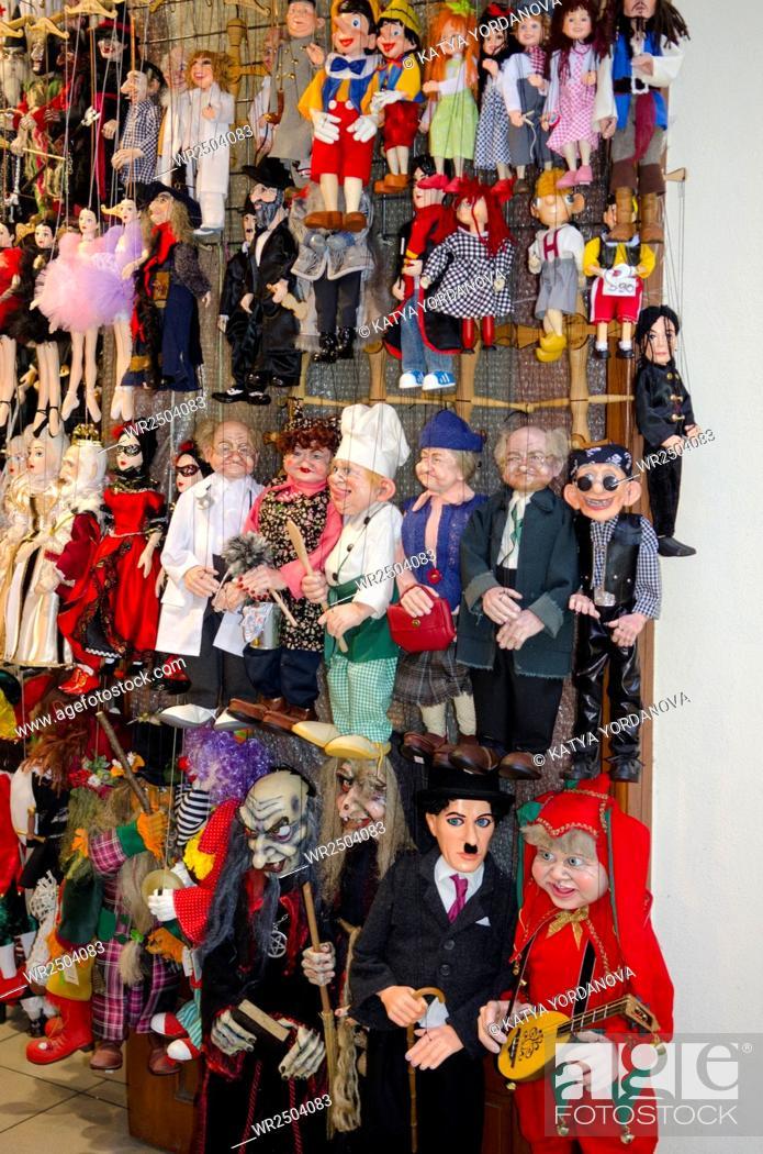 Imagen: Marionette shop in Prague, Czech Republic.