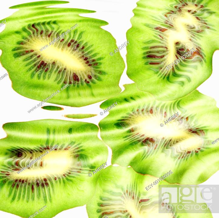 Stock Photo: Group of cross a kiwi-fruits under water.