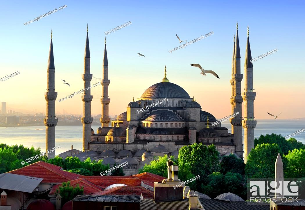 Stock Photo: View on Blue Mosque and Sea of Marmara in Istanbul at sunrise, Turkey.