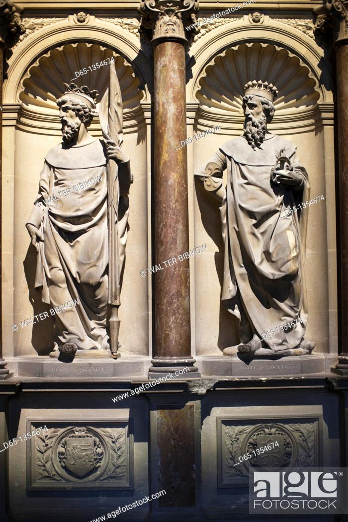 Stock Photo: France, Marne, Champagne Ardenne, Reims, Basilique St-Remi, 17th century figures on the crypt of St-Remi.
