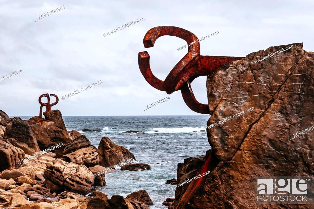 Stock Photo: 'El Peine de los Vientos (The Comb of the Winds)' sculpture by Eduardo Chillida, San Sebastián, Guipuzcoa, Spain.