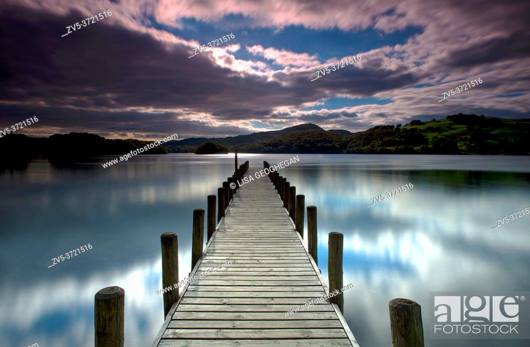 Imagen: Parkamoor Jetty on Coniston Water, Lake District, Cumbria, England, Uk, Gb.