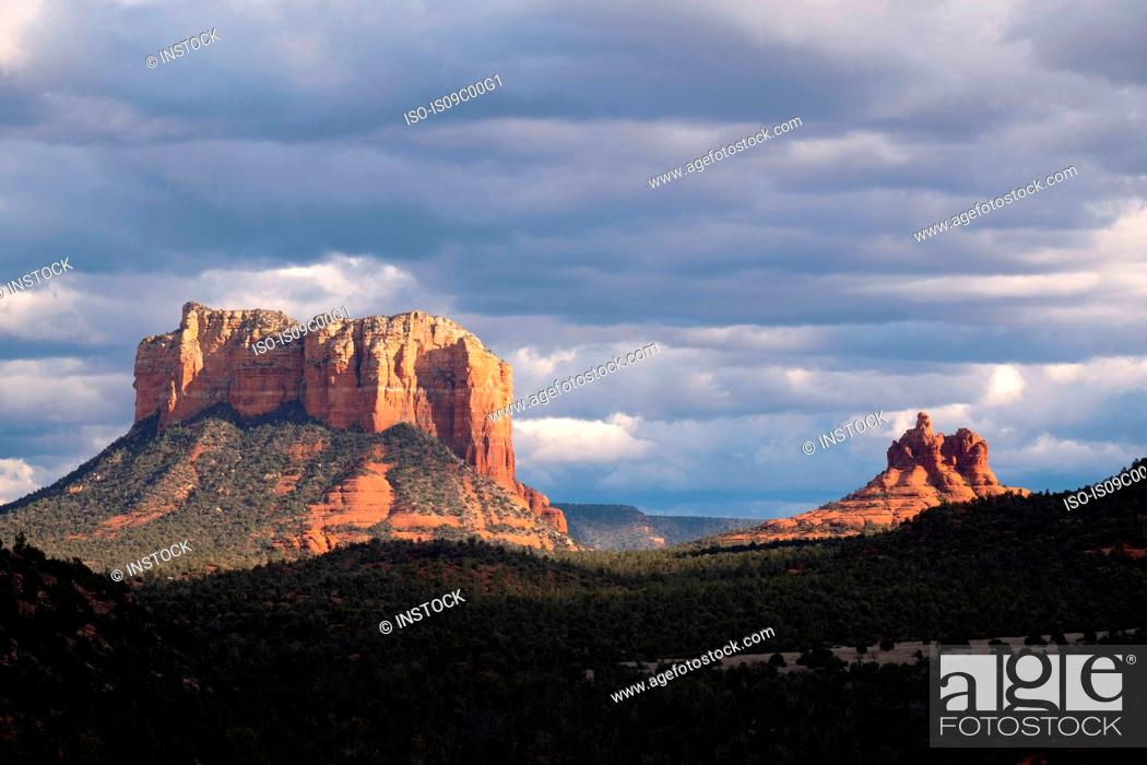 Stock Photo: Cloudscape over scenic landscapes, Sedona, Arizona, USA.
