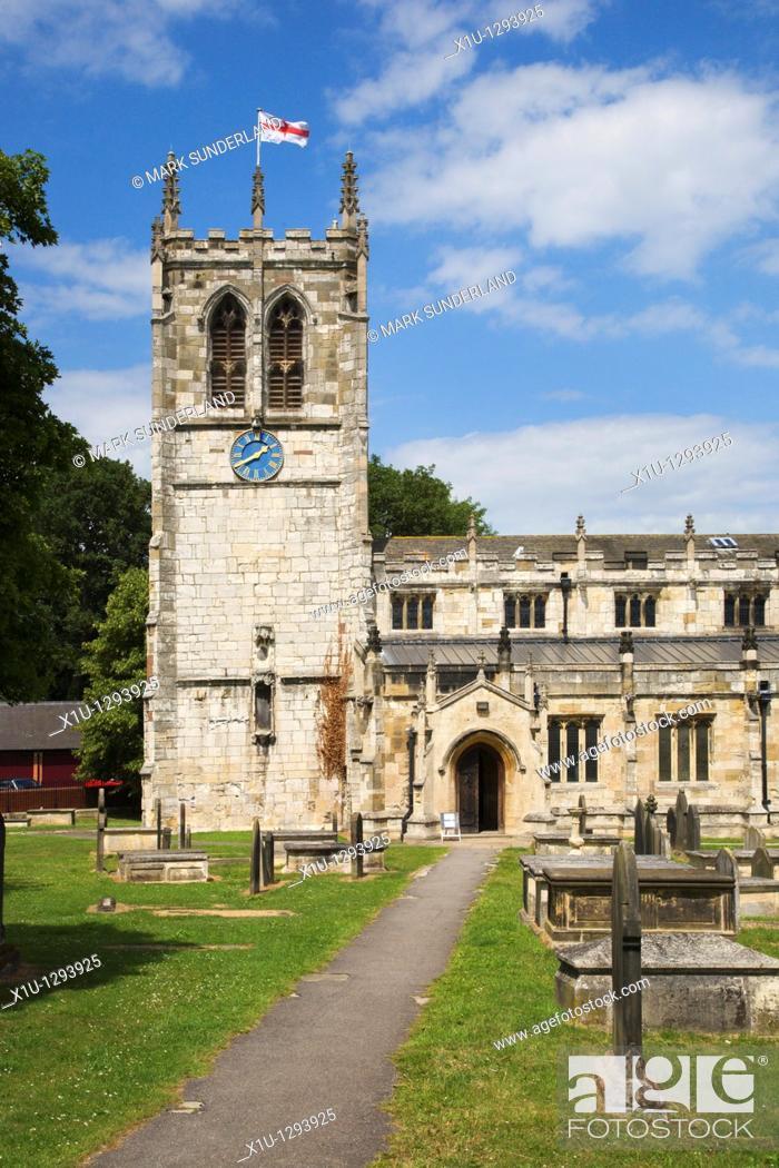 Stock Photo: St Mary's Church, Tadcaster, Yorkshire, England.
