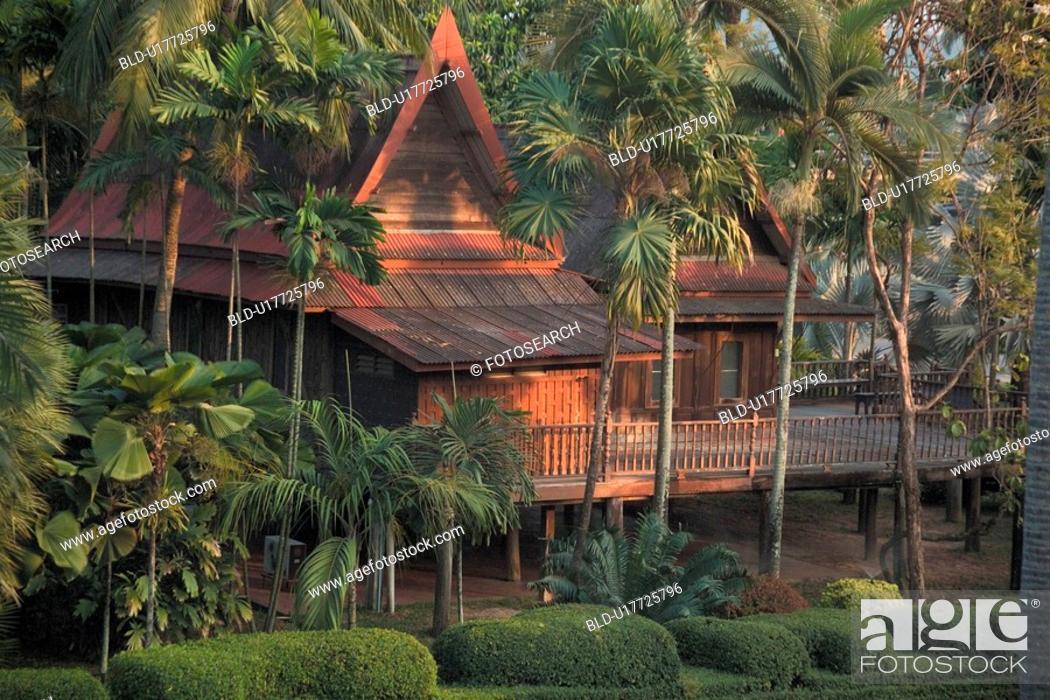 Stock Photo: plants, house, plant, palmtree, building, scenery.