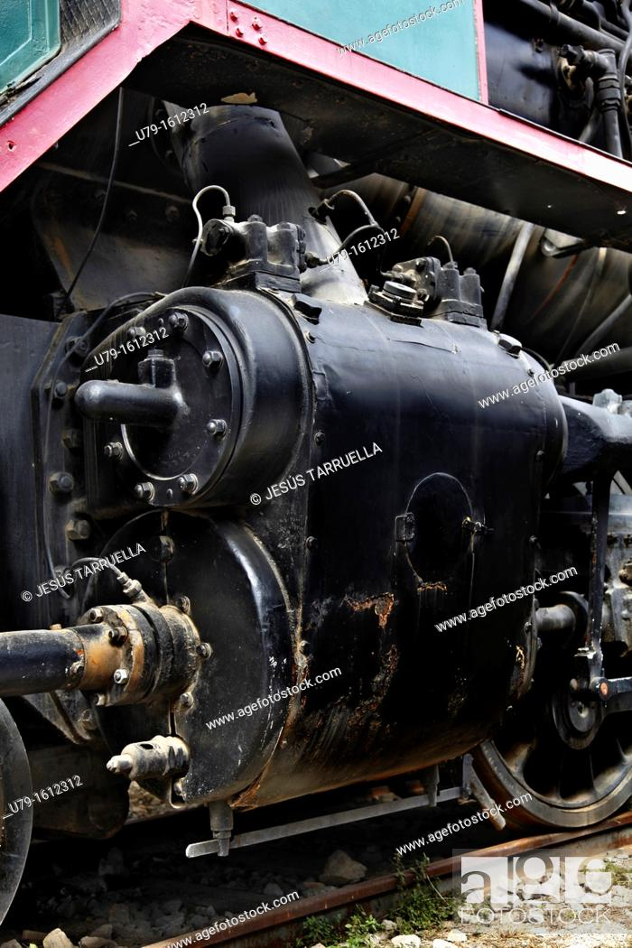Stock Photo: Details of the drive system of a old steam locomotive.