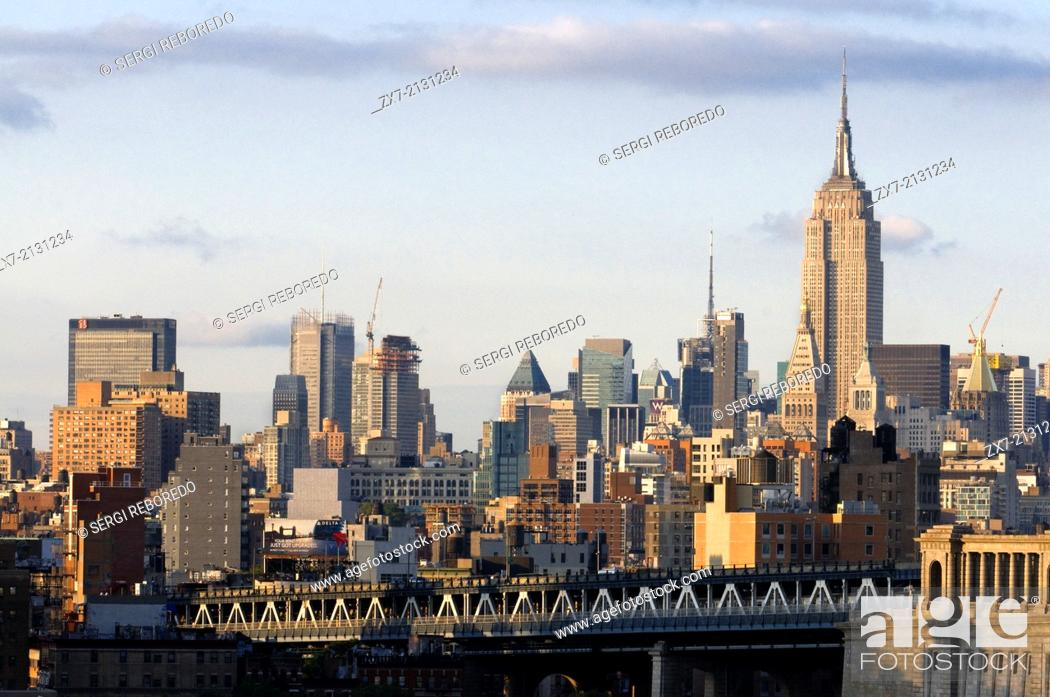 Stock Photo: USA, New York City, Skyline with Empire State Building.