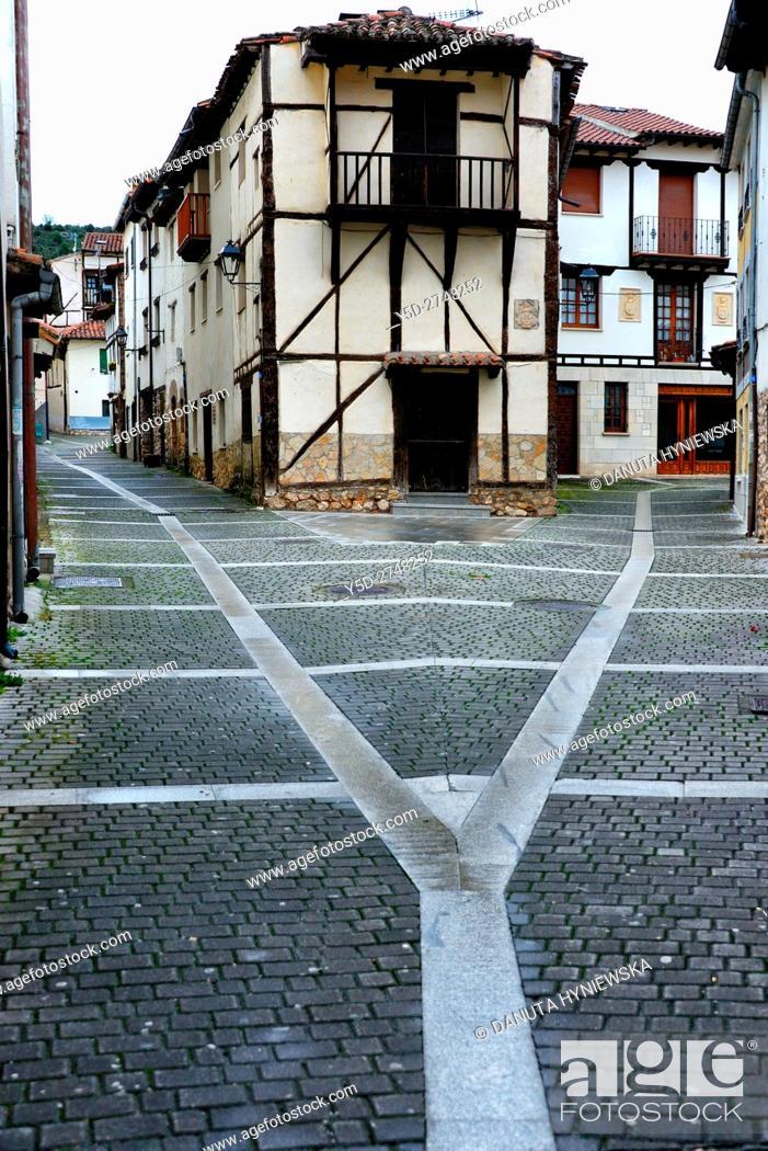 Stock Photo: old town of Covarrubias. Ruta del Cid, Burgos province, Castilla-León, Castile and León, Castilla y Leon, Spain, Europe.