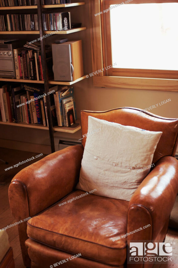 Stock Photo: Leather chair in a home in Colorado. USA.