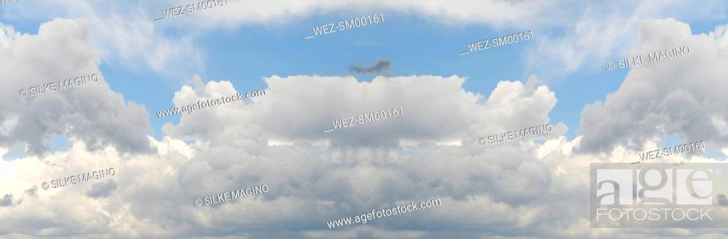 Stock Photo: Clouds in sky, close-up.