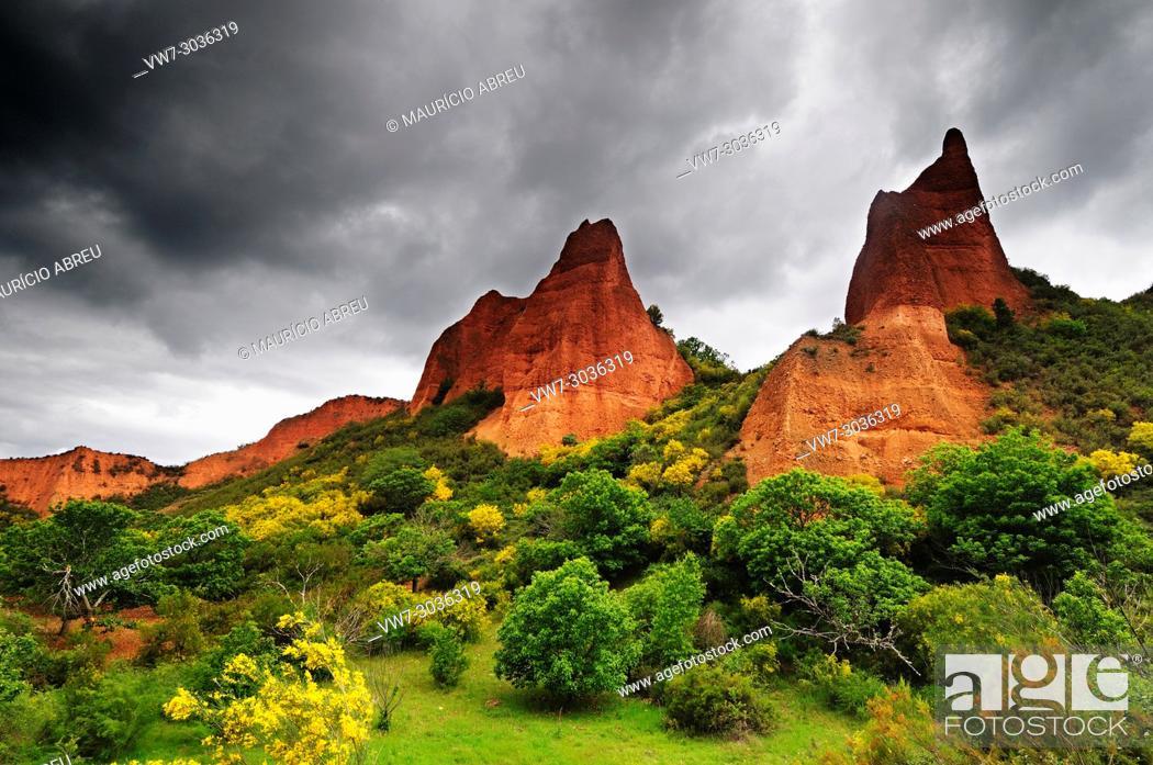Stock Photo: Breathtaking landscape of Las Médulas, once a roman gold mine. Nowadays a UNESCO World Heritage Site. Castilla y León, Spain.