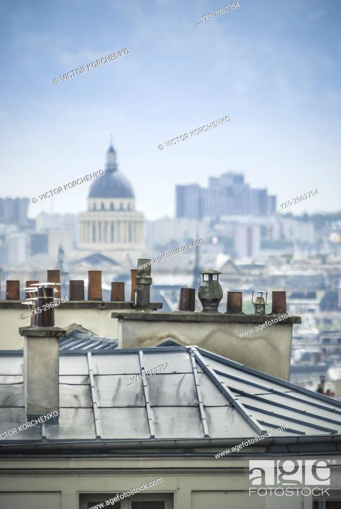 Imagen: Paris rooftops and the cupola of Pantheon. Paris, France.