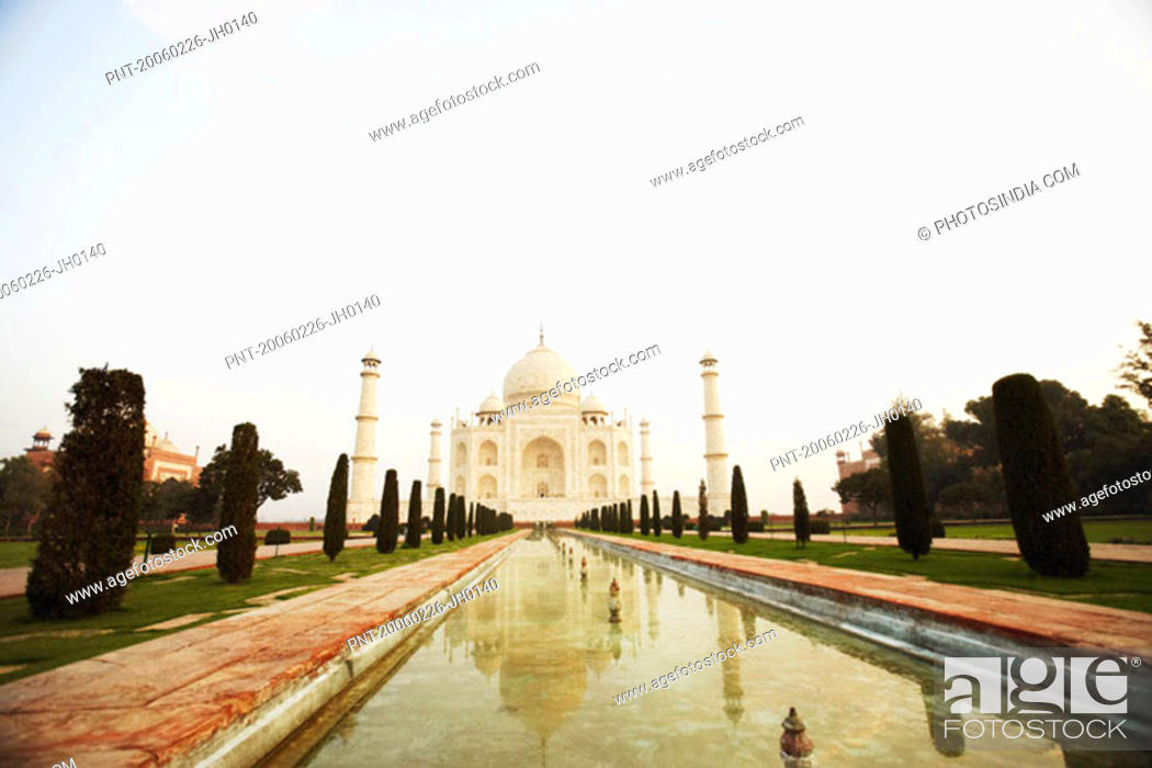 Stock Photo: Pond in front of a mausoleum, Taj Mahal, Agra, Uttar Pradesh, India.