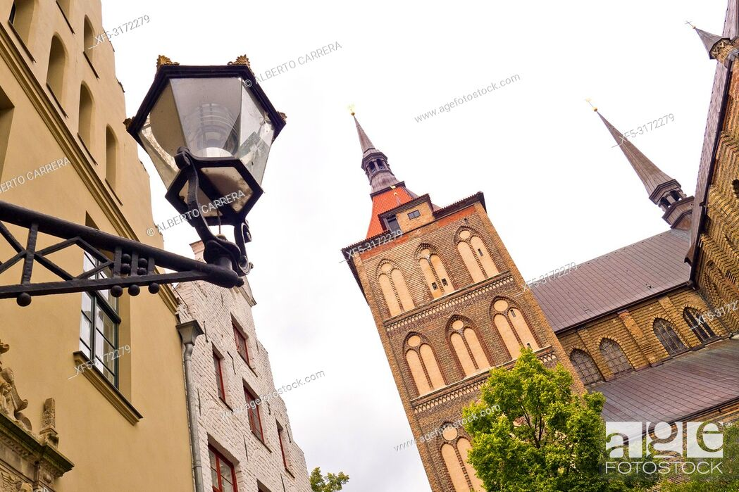 Imagen: St. Mary Church, St. Marien-Kirche, Marienkirche, Old Town, Rostock, Germany, Europe.