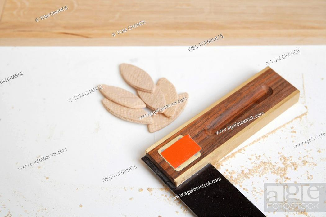 Stock Photo: Germany, Upper Bavaria, Schaeftlarn, Angular measure with saw dust.