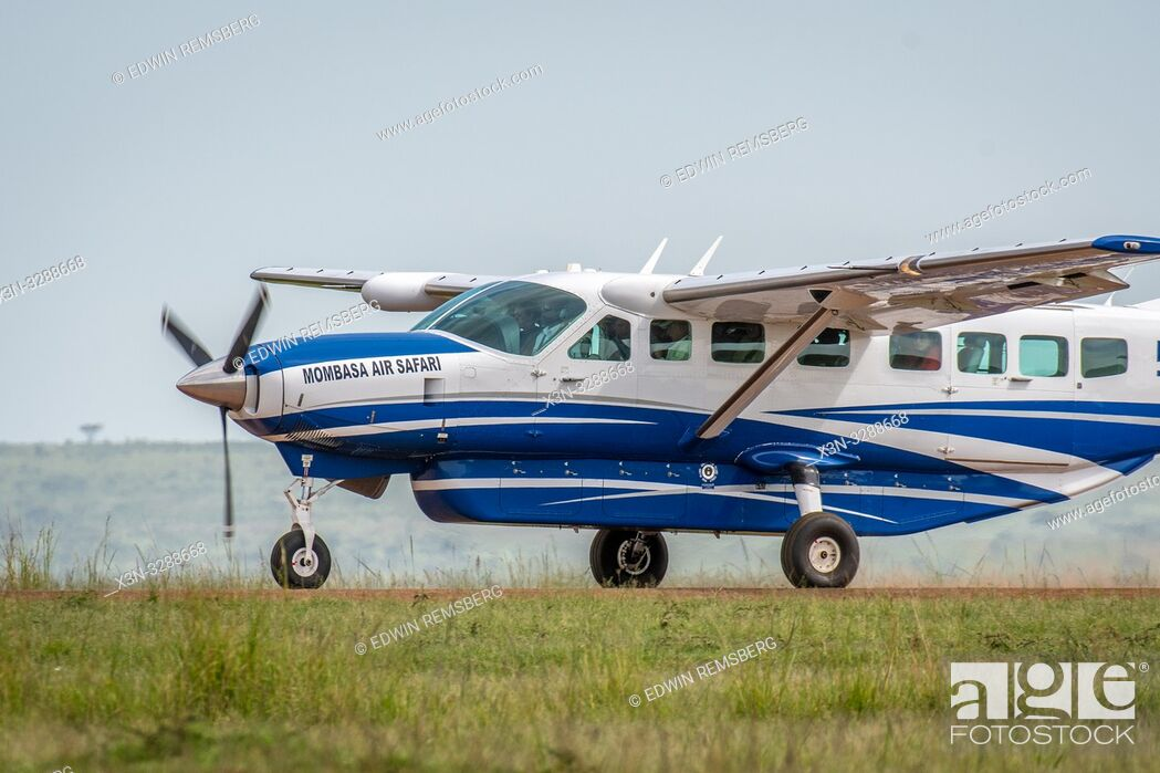 Imagen: An airplane for Mombasa Air Safari in the Maasai Mara National Reserve, Kenya.