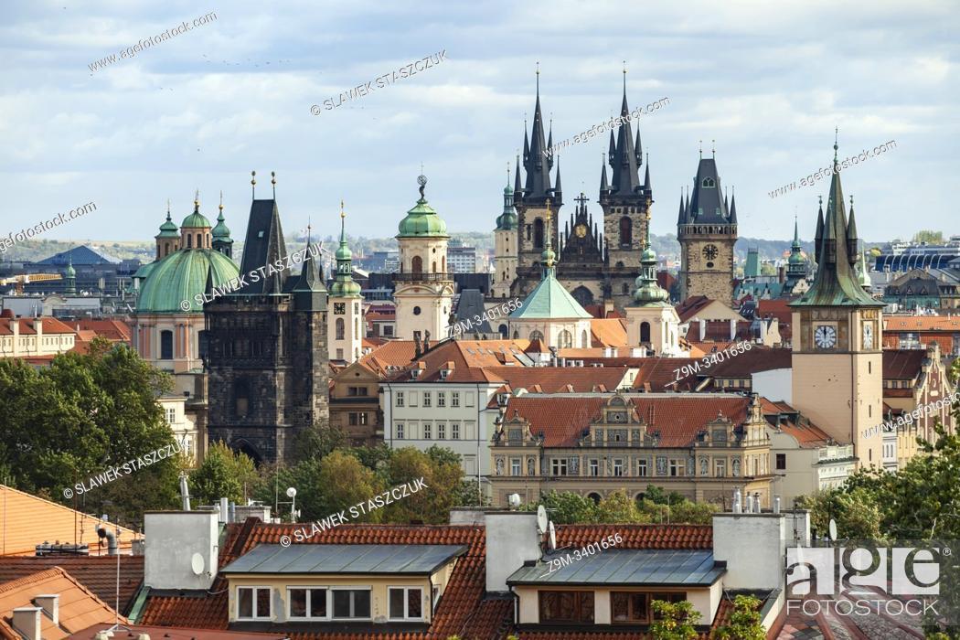 Imagen: Prague old town skyline, Czechia.