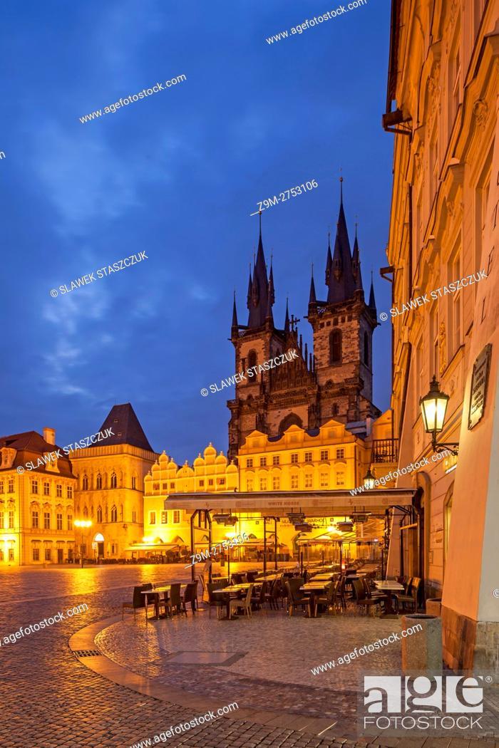Stock Photo: Before dawn in Prague old town, Czech Republic.