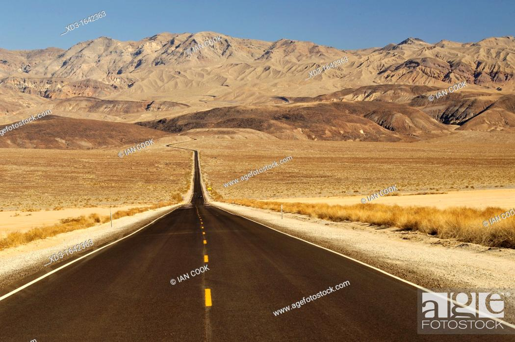 Stock Photo: Highway 190, Death Valley National Park, California, USA.