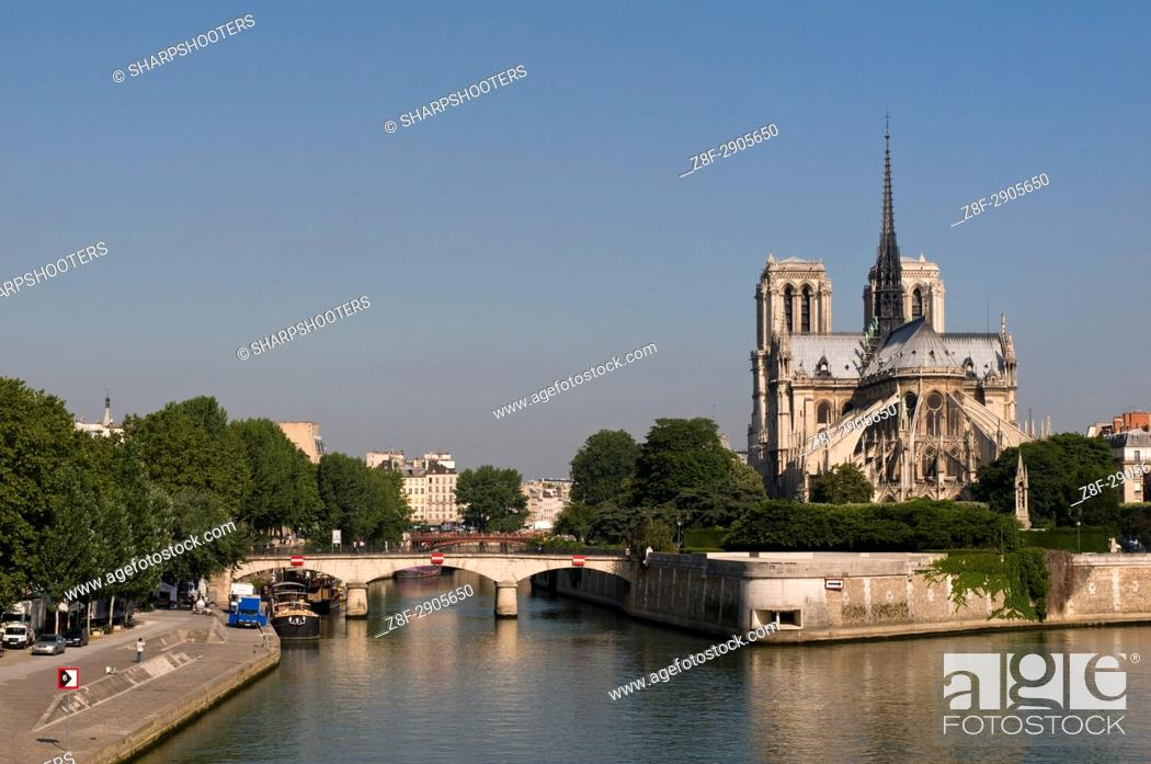 Stock Photo: River Seine and Notre Dame Cathedral, Paris, France.
