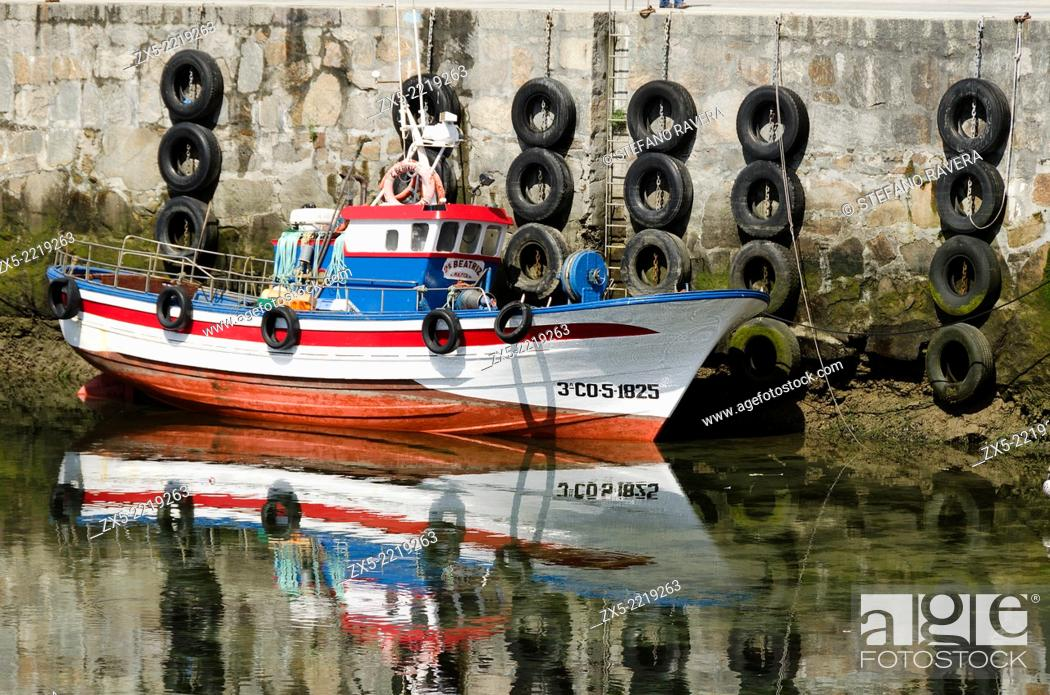 Stock Photo: Boat in the harbour of Malpica de Bergantiños - Atlantic coast of Spain - Galicia region.