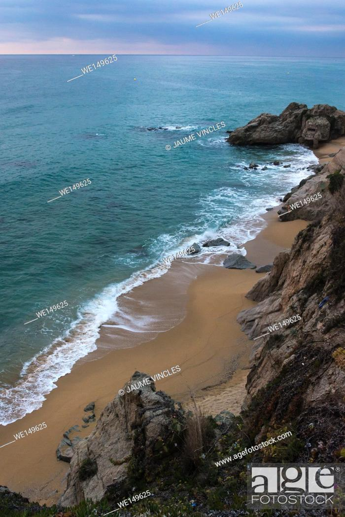 Stock Photo: Shot forced by so much beauty. Cliff near Barcelona.