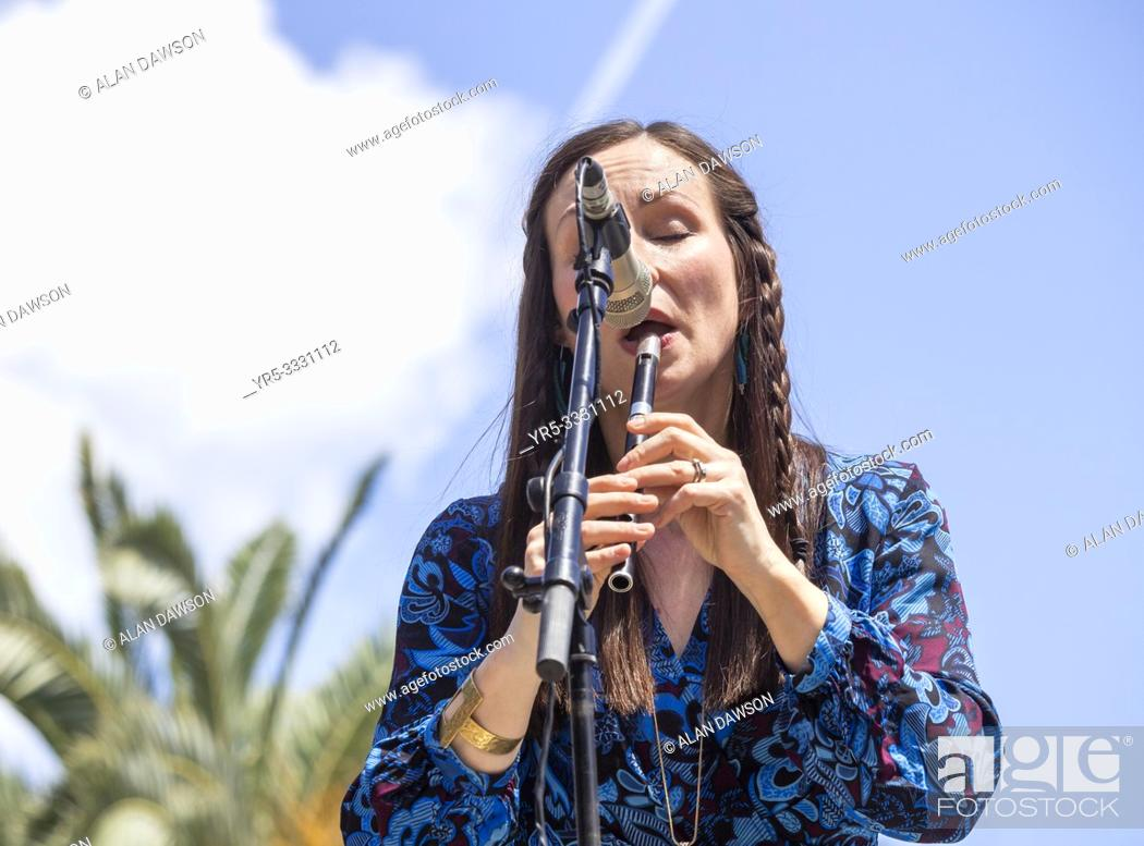 Imagen: Las Palmas, Gran Canaria, Canary Islands, Spain. 31st March, 2019. BBC Folk singer of the nominee, Julie Fowlis, in concert in city park in Las Palmas as.