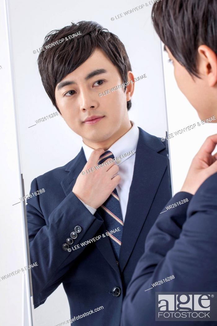 Imagen: Portrait of young businessman.