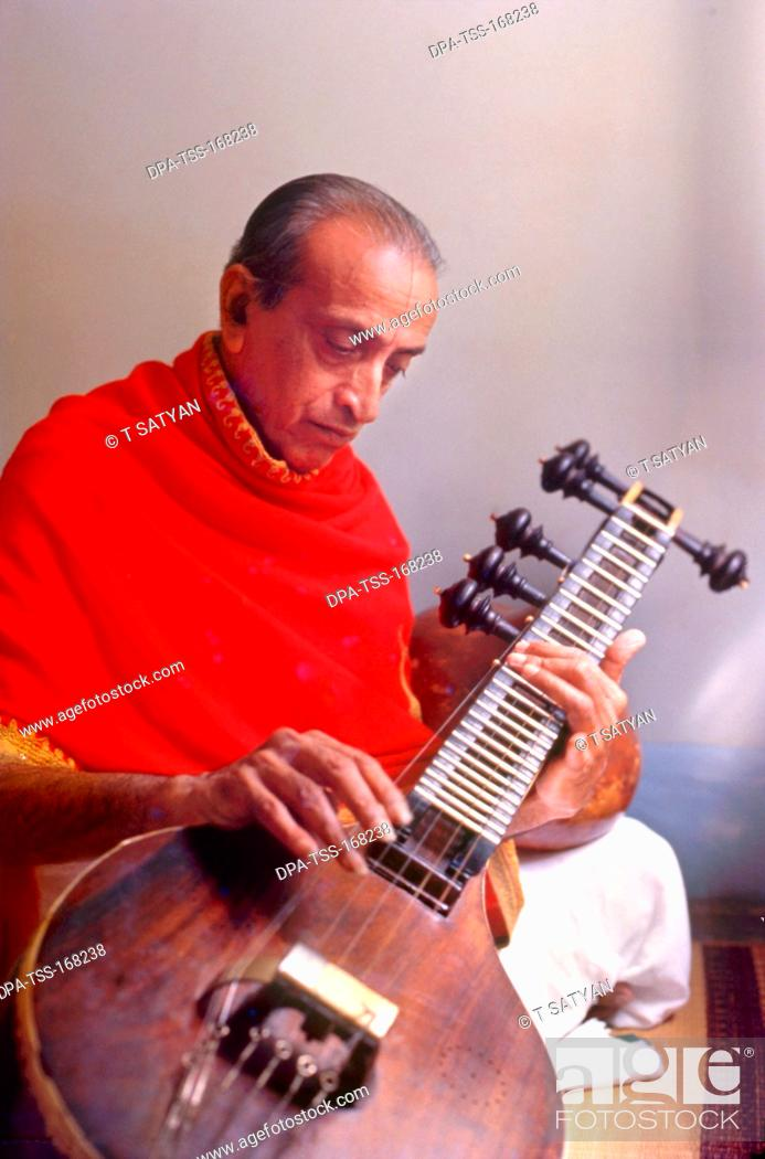Veena player Dr  V  doreswamy iyengar of Karnataka