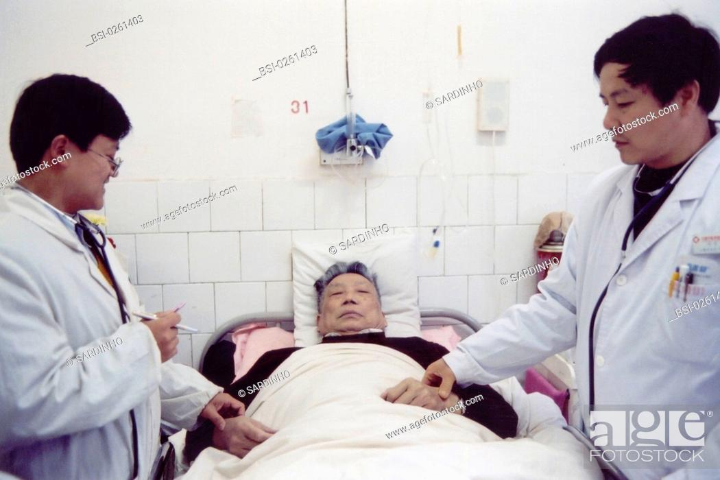 Stock Photo: Photo essay. Chinese traditional medicine associated with modern techniques. Nanchang Hospital in the Jiangxi Province, China.