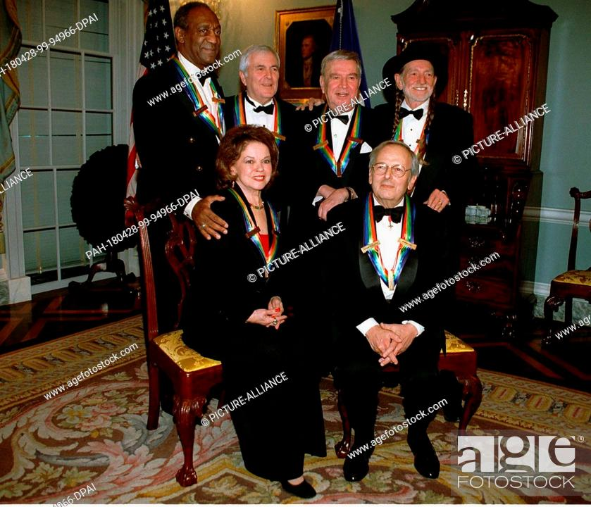 Recipients Of The 1998 Kennedy Center Honors Pose For A Group