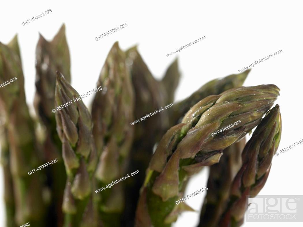 Stock Photo: Bundle of asparagus.