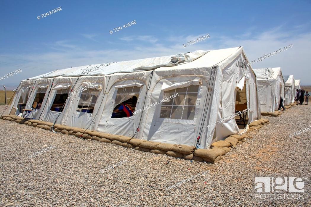 Stock Photo: UNICEF school in Khanaqin refugee camp in Iraq where 8000 people have found refuge.