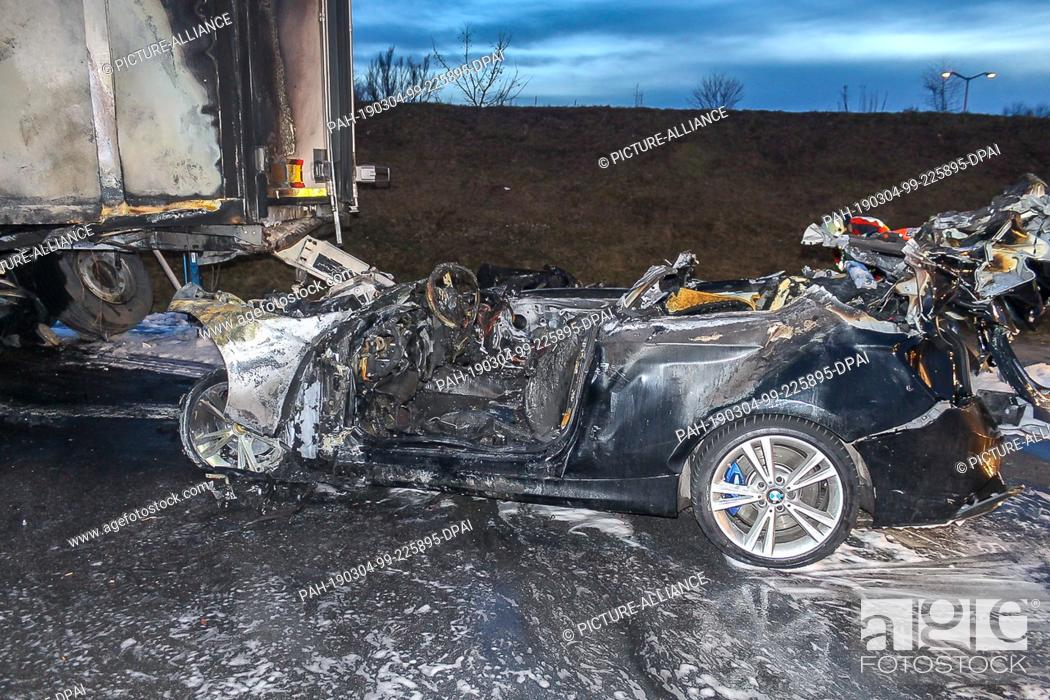 03 March 2019, Germany (German), Iggensbach: The wreck of a car is