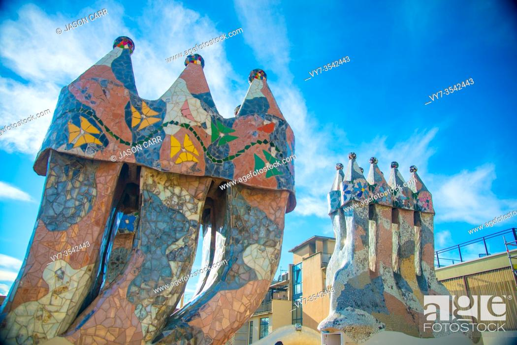 Imagen: BARCELONA, SPAIN - January 23, 2019: Casa Batllo is the famous art work by an artist Antoni Gaudi. Gaudi was a Spanish architect who designed many buildings in.