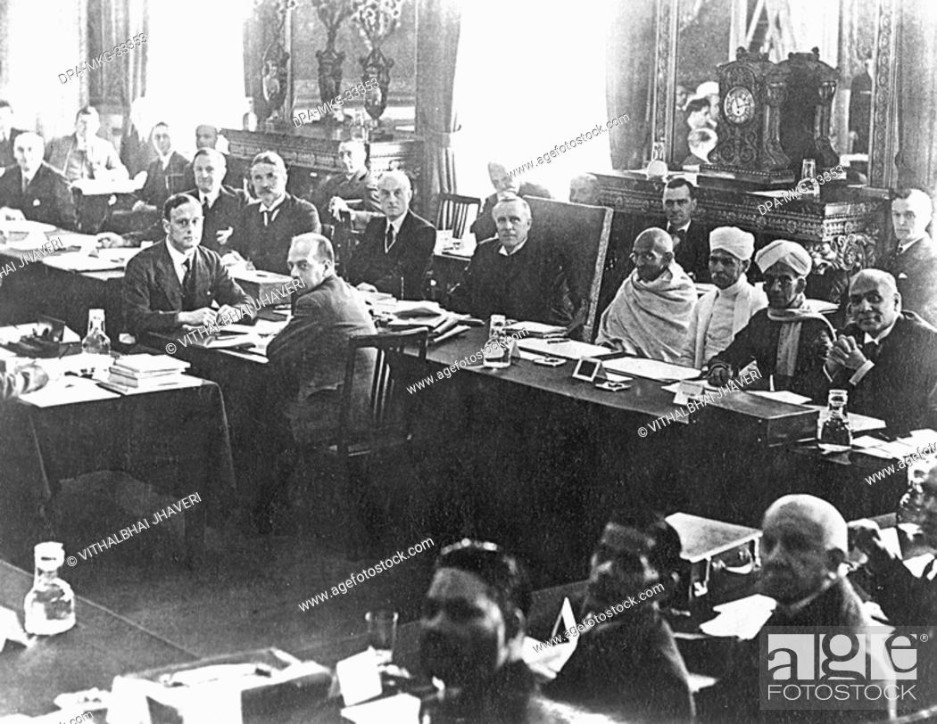 Mahatma Gandhi During The Second Round Table Conference At London - England conference table